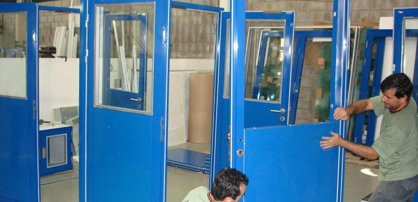 Montagem das Portas sala limpa
