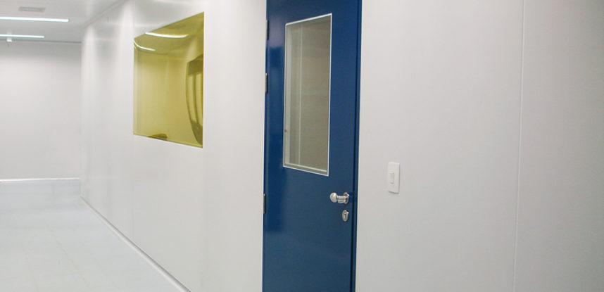 <h1>Sala Limpa: Importância dos Painéis e Luminárias</h1>